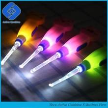 New Cartoon LED Flashlight Earpick Wax Remover Curette Cleaner Spoon