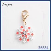 Cheaper Metal Enamel lobster clasp alloy bead landing locket charms wholesale snowflake charms dangle