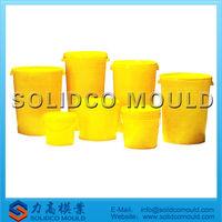 Plastic barrel with lid mould