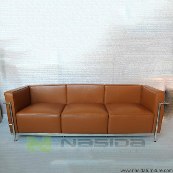 sf203 brown cuir aniline le corbusier lc3 canap trois places dans le bureau canap salon id de. Black Bedroom Furniture Sets. Home Design Ideas