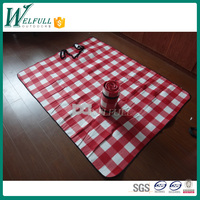 disposable fleece picnic blanket, picnic rug in plaid style