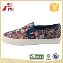 factory cheap price printted women canvas loafer OEM