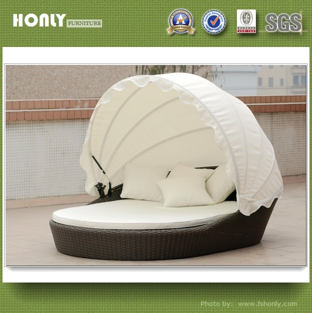 Outdoor wicker lounge curved wicker lounge bed with adjustable canopy