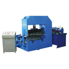 Auto curved roll forming machine for roofing build