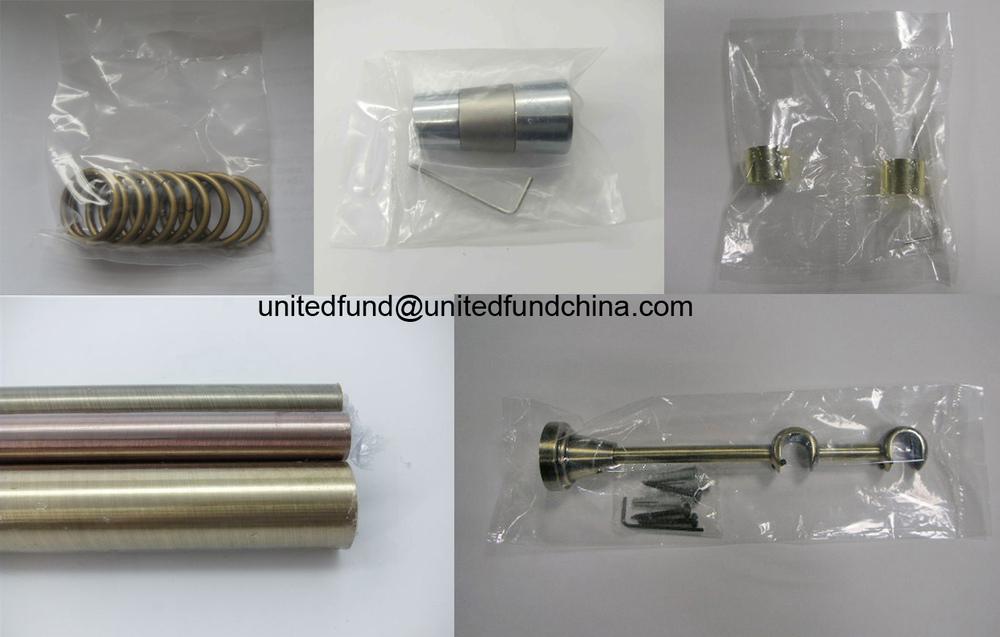 Corner bracket for curtain rod