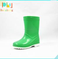 Hot Sale Latest style Green rain boots for kids Wellington
