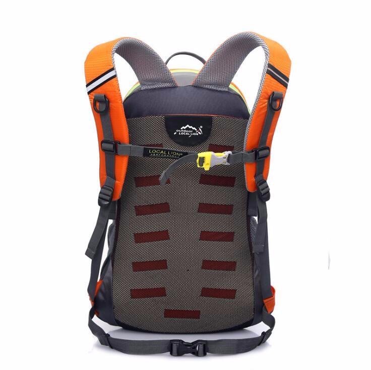 sports travelling backpack bag  (3).jpg