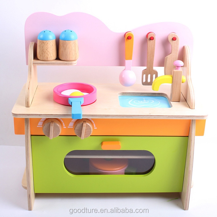 Small kitchenette diy kitchen toy set roly playing chef for Small toy kitchen set