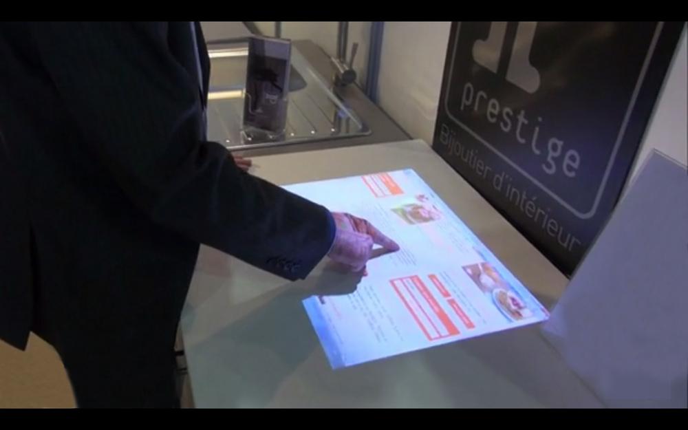 Multi cran tactile table basse tableau interactif avec ir for Table tactile 40 52 point sur40
