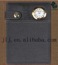 cuaderno personalizado con reloj en portada