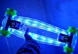 Wholesale Lightweight Plastic Board Mini Cruiser with LED Wheels