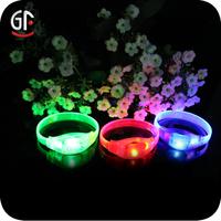 Theme Parties Small Plastic Led Light Up Bracelet