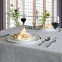 elegant table cloth for wedding