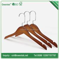 Novelty anti-slip notches hotel coat hangers promotional