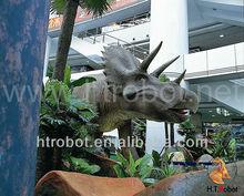 De tamaño natural de dinosaurios estatuas