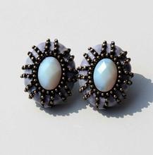 PT10051 White Stone Earrings Jewelry Antique Epoxy Alloy Gold Beautiful Designed Earrings