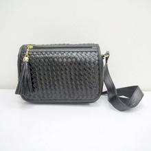 Guangdong designer shoulder bag fashion weave shoulder bag with tassel
