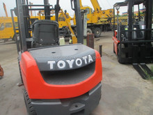 3 mast, automatic operating, toyota forklift 3 Ton for sale