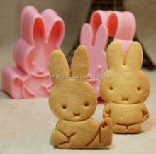 2015 New 2PCS Little Rabbit Shape Fondant Cake Cookie Decorating Sugarcraft Plastic Mold Plunger Cutter