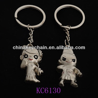 Fashionable gift mini bride and bridegroom couple lover metal keychain
