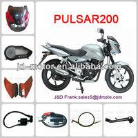 Bajaj PULSAR 200 de la motocicleta