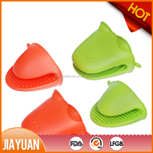 Animal shape snake head pig silicone oven mitts