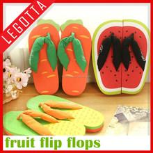 2015 china factory directly supply fruit cute beach bulk flip flops