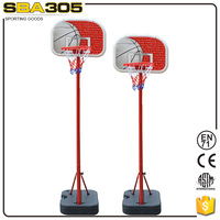 height adjustablle telescopic basketball child standing