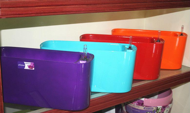 Renkli saksı, renk vazo, bahçe dekorasyon