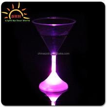 led cocktial glass plastic, goblet LED light glass, blinking light cup for bar