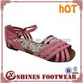sandálias elegantes para meninas com flores na sola