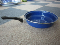 blue enamel fry pan