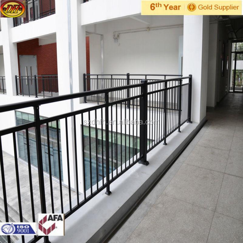 Pasamanos de hierro para escaleras good escaleras for Escaleras de hierro para exterior