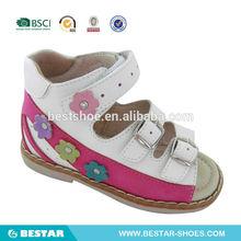 China por mayor de los niños zapatos sandalias de las muchachas