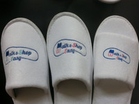 new design logo hotel slippers for overseas market high quality with cheap price manufacturer