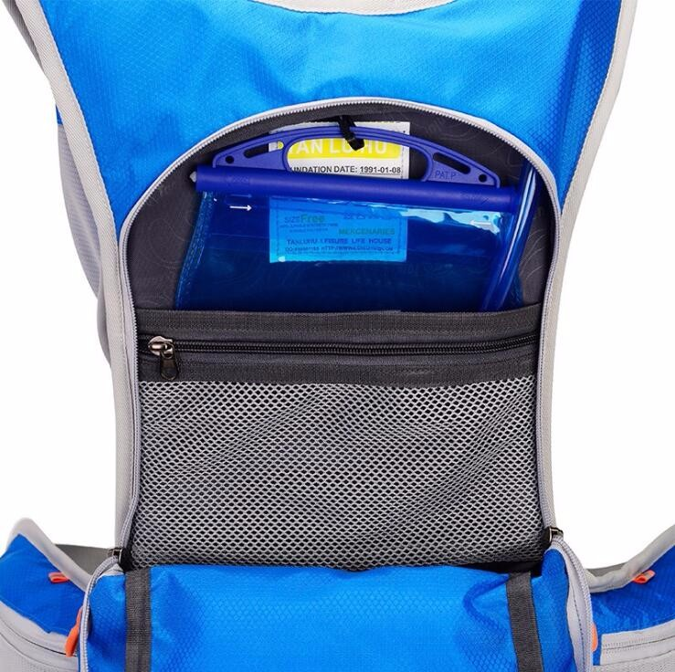 hydration backpack with bladder  (3).jpg