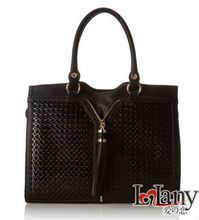 Lelany empaistic vogue ladies handbags with a zipper in the middle