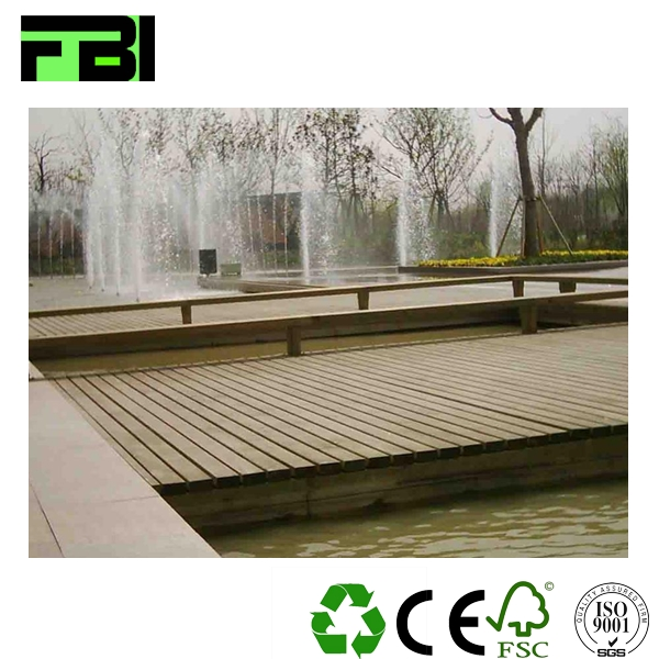 Lightfast wholesale Eco friendly wpc wood decking laminate mdf wood floor