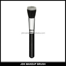 Professional White and Black Synthetic Hair Stippling Brush for Makeup