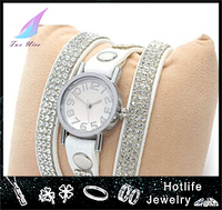 luxury women silver color charming bracelet wrist watch in really leather slake design