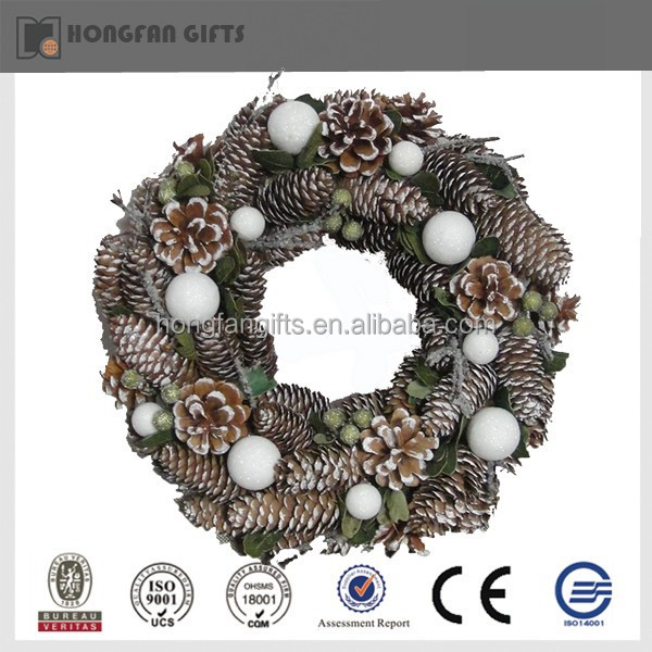 Cool Christmas Wall Decor : Unique christmas wall decoration with pinecone g