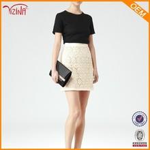Moda corto blanco apretado de alta- entallada falda lápiz