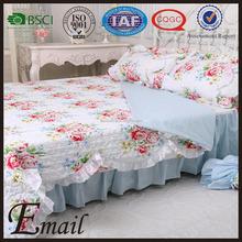 China manufacturer lace border flower vine printed bedspread cotton quilt