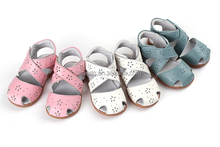Genuine leather baby girl sandals in stock