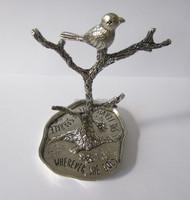 metal tree ring holder