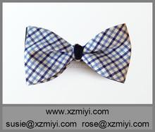 Algodón barato de la pajarita de algodón a cuadros azul y azul marino de doble cara de la pajarita para hombre