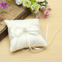 Romantic Design Wedding Decoration Beautiful White Double Bow Ribbon Pearls Romantic Wedding Ring Pillow Wedding Pillow Cushion
