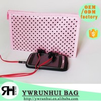 China Supplier New Hot Satin Cheap Cosmetic Pouch fashion Designer Travel Cosmetic Bag, gift bag