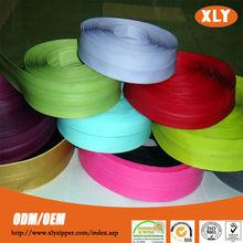 Zipper fornecimento de fábrica de boa aparência cor à prova d ' água zipper rolls para venda