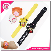 Business gifts cheap hand band girls watches slap band watch